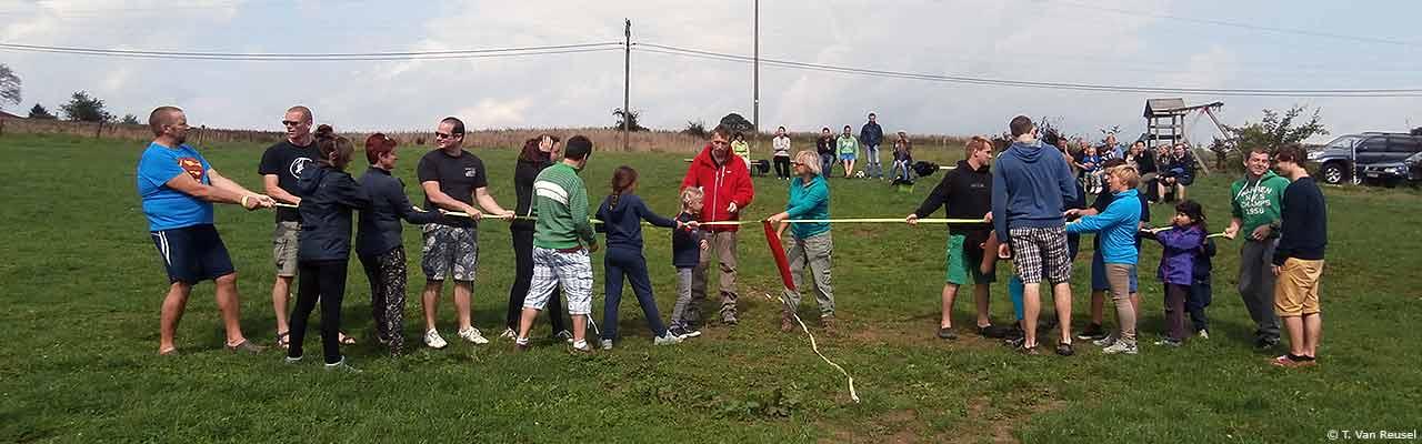 Touwtrekken op zomerkamp - J. Van Laere